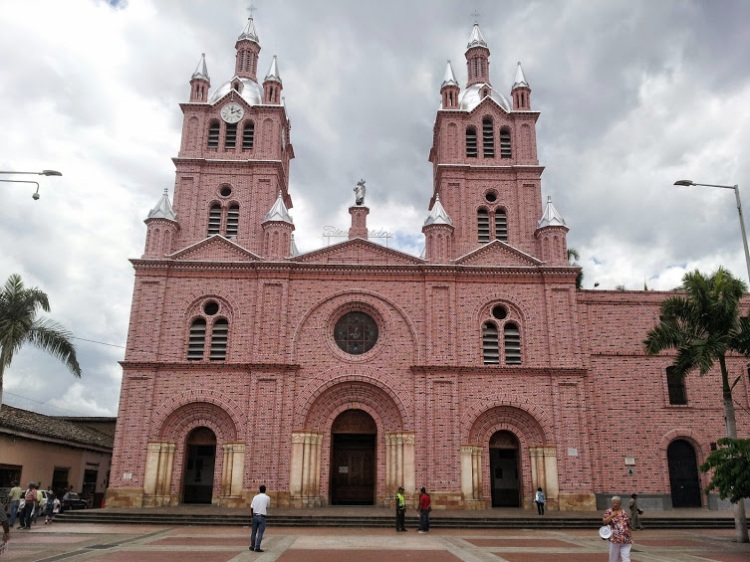 Basílica menor del señor de los Milagros de Buga - Guadalajara de Buga - Valle del Cauca. Foto: David Medina