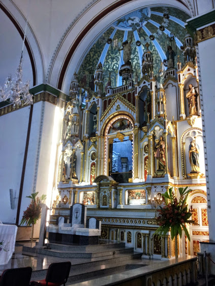Interior Basílica de Buga - Valle del Cauca. Foto: David Medina