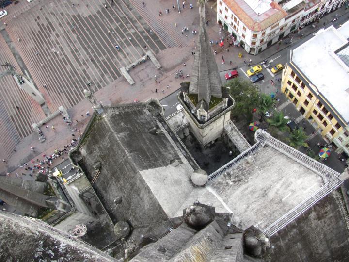 Recorrido exterior en la Catedral de Manizales - Caldas. Foto: David Medina