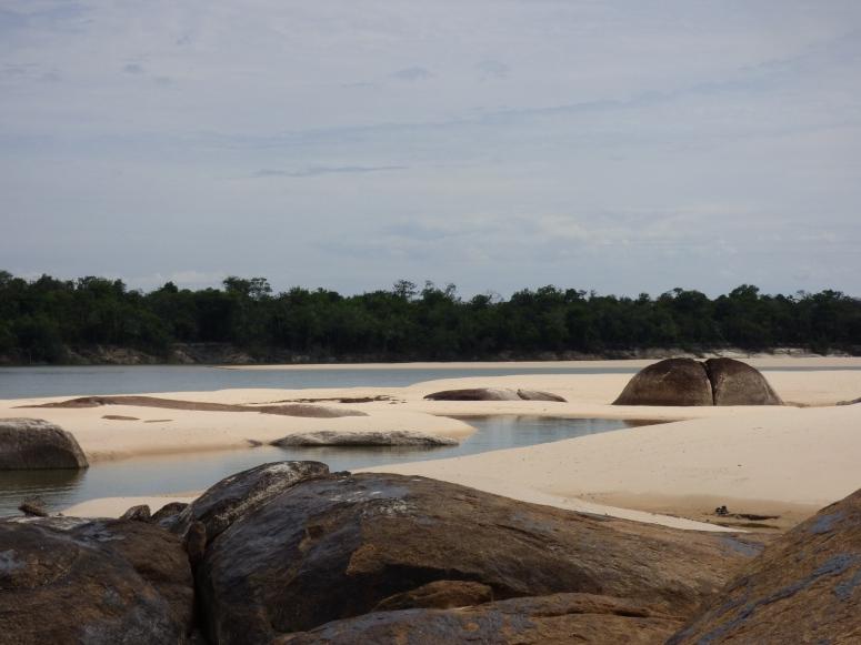 Playas en el Río Tuparro - PNN El Tuparro - Vichada. Foto. David Medina