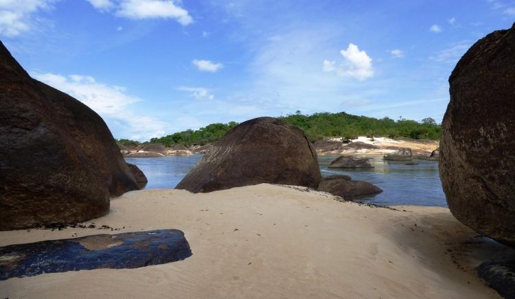Playas en el río Tuparro - Vichada. Foto: David Medina