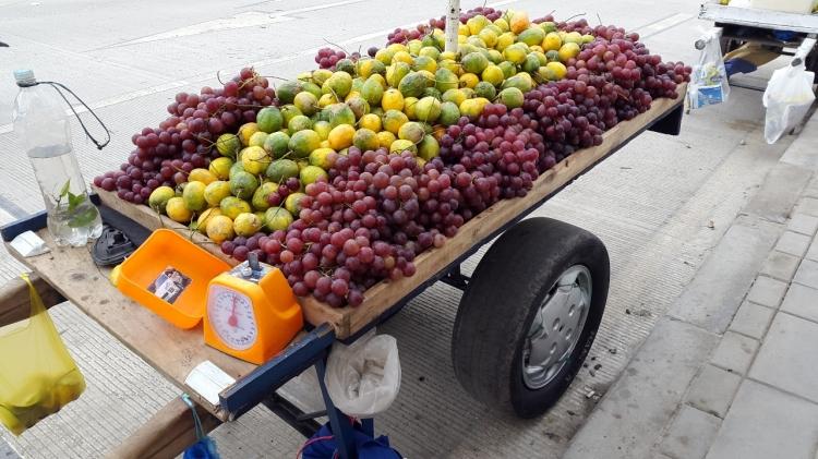 venta callejera de frutas de cosecha - Popayán - Cauca. Foto: David Medina
