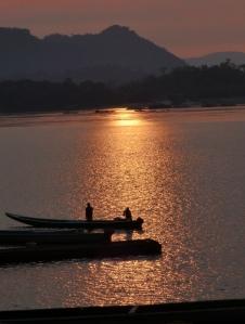 Amanecer en el Río Orinoco - Garcitas - Vichada. Foto: David Medina