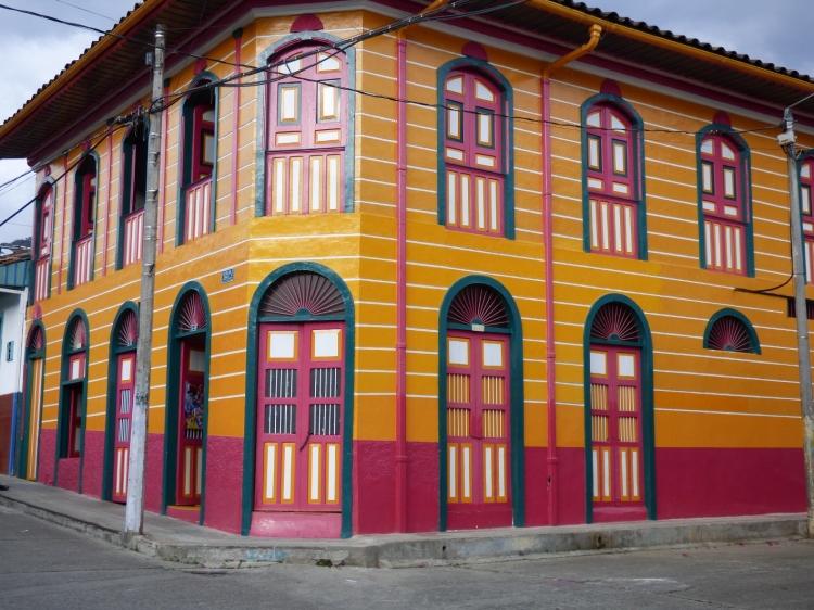 Casas coloridas con arquitectura tradicional - Pijao - Quindío. Foto: David Medina