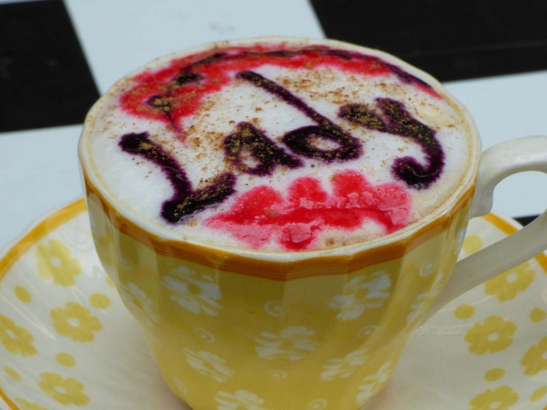 Puedes pasar por tu café personalizado en los Pinaos - Pijao - Quindío. Foto: David Medina